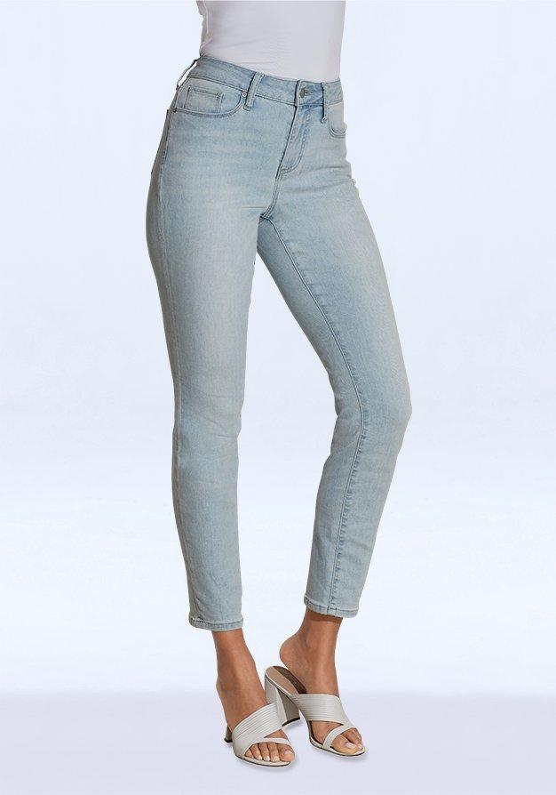 light wash ankle jeans.
