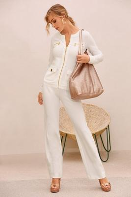 Beyond Travel™ chic coordinates