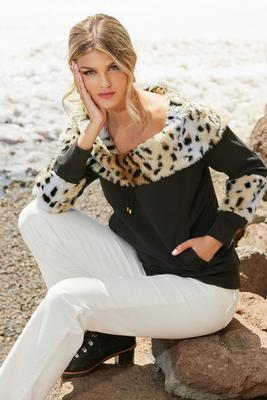Display product reviews for Leopard Faux-Fur Sweatshirt