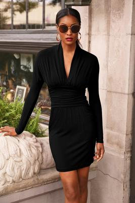 Display product reviews for Deep v-neck dress