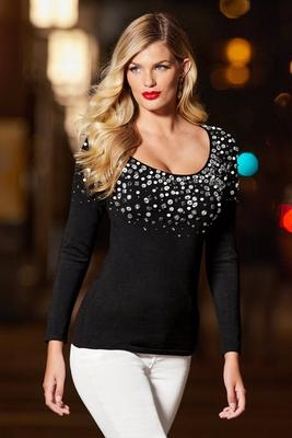 Display product reviews for Embellished neckline scoop neck sweater