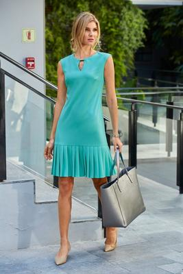 Keyhole Pleated Sleeveless Shift Dress