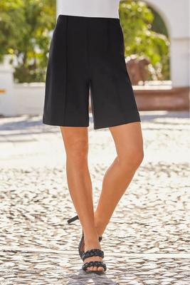 Beyond Travel™ Wide-Leg Short