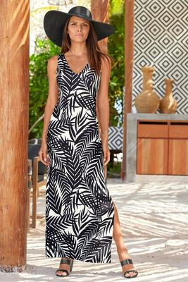beyond travel™ v-neck palm print maxi dress