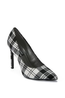 pointed-toe plaid pump