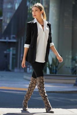 Display product reviews for Beyond Travel Legging