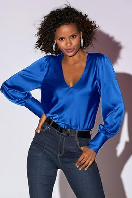 Long-Sleeve Charm V-Neck Blouse