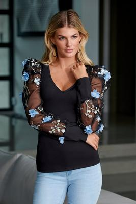 Floral Applique Puff-Sleeve Top