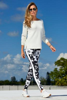 Display product reviews for B-Active Jungle Lily Sport Legging