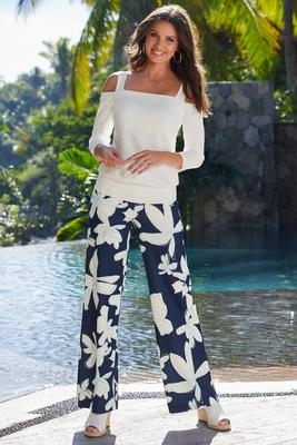 Display product reviews for Beyond Travel High-Rise Hibiscus Floral Palazzo Pant